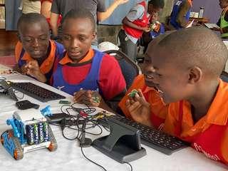 アフリカのこども向けプログラミング教室2